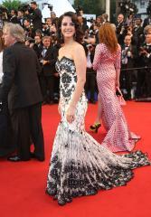 Lana Del Rey's boyfriend, Barrie-James O'Neill, denies breakup reports