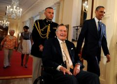 George H.W. Bush honored with JFK Profile in Courage Award