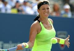 Aaarenka bests Sharapova at China Open
