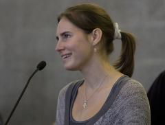 Amanda Knox will become 'fugitive' if reconvicted