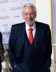 Donald Sutherland likens Jennifer Lawrence to Jesus Christ