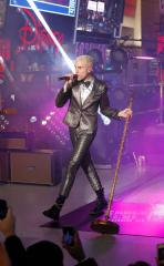 Neon Trees singer Tyler Glenn comes out as gay