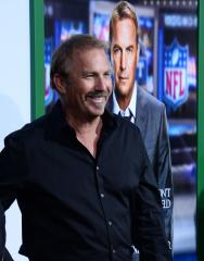 Kevin Costner returns to 'Field of Dreams' field