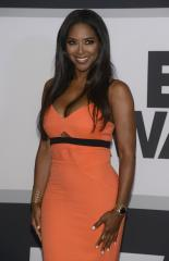 Kenya Moore denies rumors she's dating Kordell Stewart