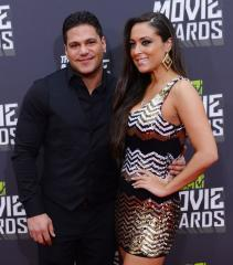 'Jersey Shore' stars Ronnie Magro, Sammi Giancola split 'for good'