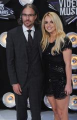 Spears and Trawick get engaged
