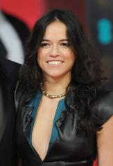 Michelle Rodriguez shares nude photo on Instagram