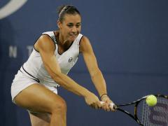 Pennetta takes an easy victory in Italy