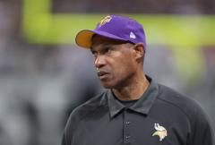 Vikings fire Coach Leslie Frazier