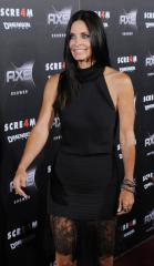 Courteney Cox to marry on her 50th birthday?