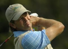 Goosen maintains his lead at Sun City golf