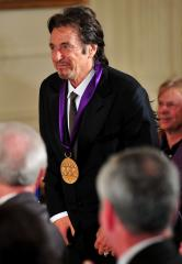 Obama presents arts, humanities medals