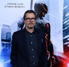 Gary Oldman, Kevin Costner to star in 'Criminal'