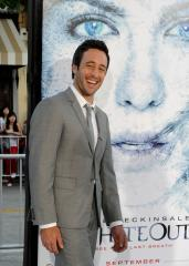 O'Loughlin signs up for 'Hawaii 5-0' role