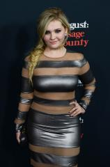 Abigail Breslin wears sheer paneled gown for 'August: Osage County' premiere