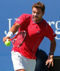 Wawrinka, Gasquet win in Paris, head to London