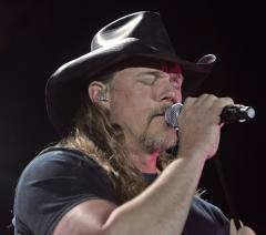 Adkins to perform on 'Nashville Star'