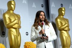 Jared Leto gives shout-out to Ukraine, Venezuela during Oscars speech