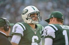 Jets quarterback Mark Sanchez out for season after surgery