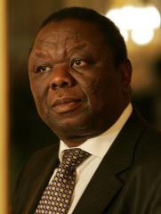 Tsvangirai : Zimbabwe's election 'huge farce'
