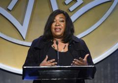 Shonda Rhimes renews contract with ABC Studios through 2018