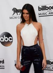 Kendall Jenner steps out sans underwear at MuchMusic Video Awards red carpet