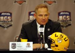 New 7-year deal for Miles at LSU