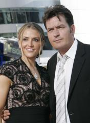 Actor Charlie Sheen released on bail