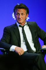 Sean Penn calls Charlize Theron 'a keeper,' according to Piers Morgan