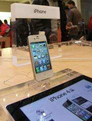 Consumer Reports OKs iPhone 4S