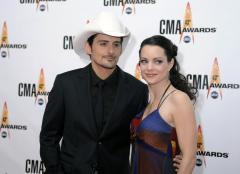 Brad Paisley and wife say they were victims of elaborate hoax