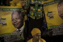 Mandela daughter describes father's final moments