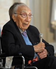 Heart surgeon DeBakey dead at 99