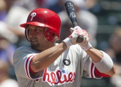 Phils' Victorino suspended for brawl