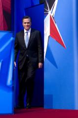 Romney lead slips on tax-return demands