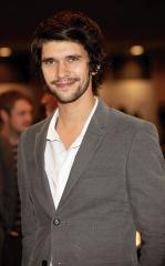 Ben Whishaw to play Freddie Mercury in bio-picture