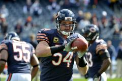 Brian Urlacher retires from NFL after 13 seasons with Chicago Bears