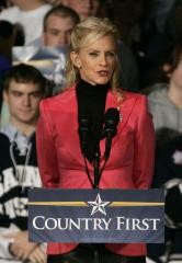 Cindy McCain: Gwyneth Paltrow is a 'joke' for comparing online insults to war
