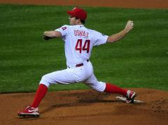 Phillies' Oswalt OK after drive to head