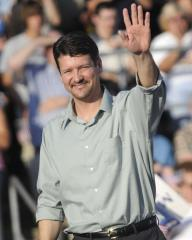 Todd Palin rips author about book on Sarah