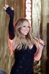 Mariah Carey accused of tweeting 1997 photo as present-day selfie