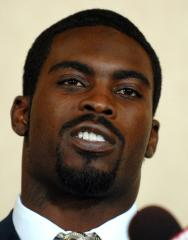 Agent: Vick may play again soon