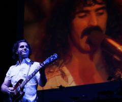 Unveiling set for Zappa statue