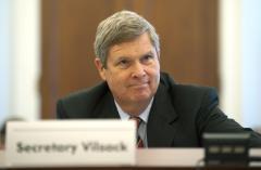 Vilsack offered to resign over Sherrod