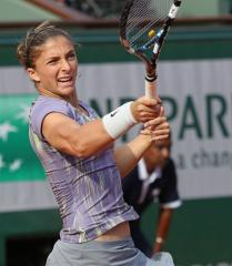 Sara Errani opens Palermo title defense with win