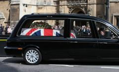 Schultz, Baker to lead U.S. presidential delegation to Thatcher funeral