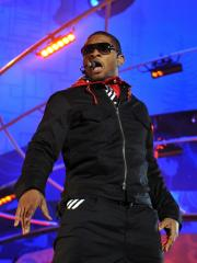 'Raymond' is No. 1 on the U.S. album chart