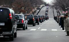 Taxpayers decline bill for Obama's visit; motorcade blocks woman in labor from hospital