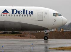 Delta CEO gives seat to mom on overbooked flight