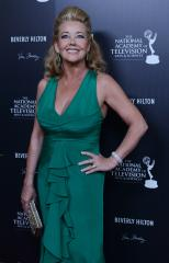 'Young and Restless' star Melody Thomas Scott to guest star on 'Crazy'